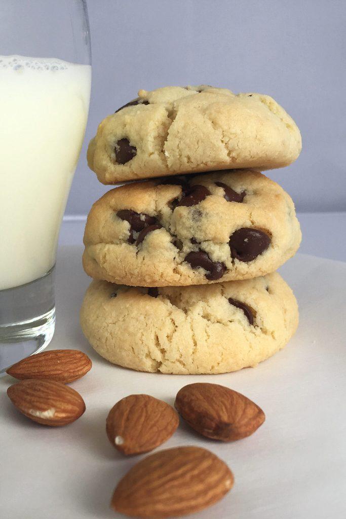 Gluten-Free Almond Flour Chocolate Chip Cookies (1)