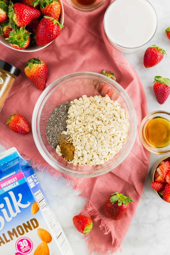 Picture of all the ingredients needed to make strawberry overnight oats