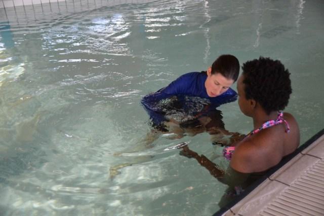 Waterbabies-babyzwemmen-baby onder water zwemmen