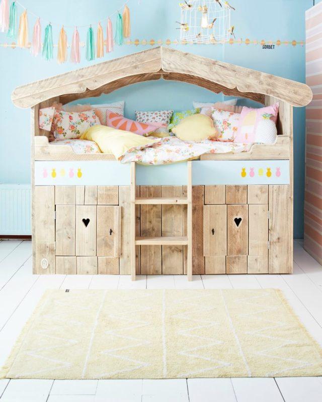 Saartje Prum Poppenhuis-bed voor kinderen-GoodGirlsCompany