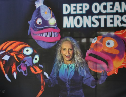 Deep Ocean Monsters VLOG-GoodGirlsCompany-Burgers Zoo musical