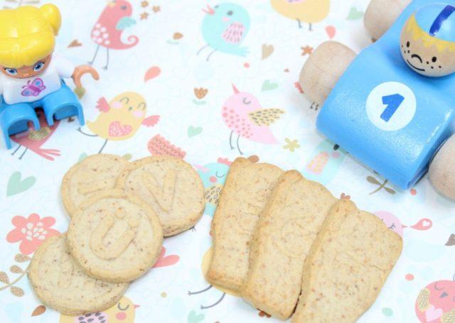 de-beste-biologische-babykoekjes-de-kleine-keuken-letterkoekjes-goodgirlscompany