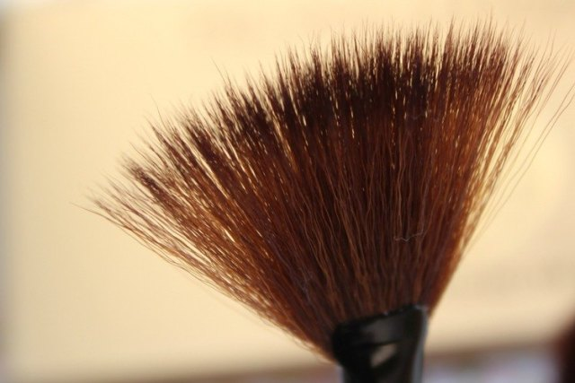 fan-brush-Zenner-Beauty-tools-GoodGirlsCompany