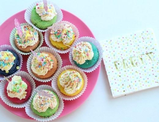 Zo-maak-je-vrolijke-eenhoorn-cupcakes-GoodGirlsCompany