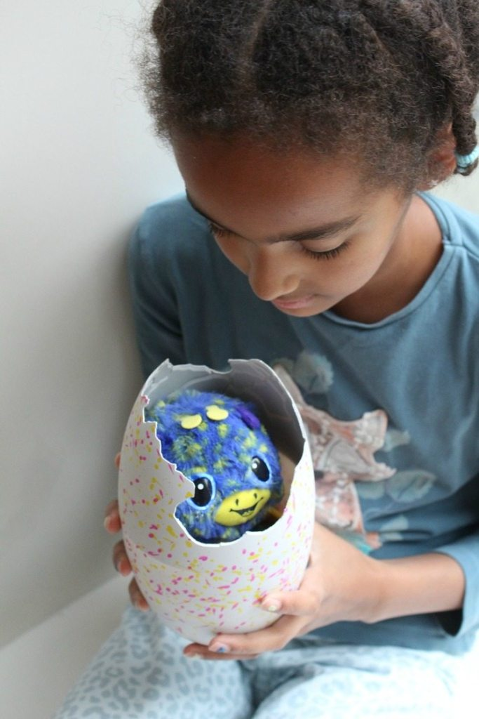 uitbroeden Hatchimals Surpri-GoodGirlsCompanyse