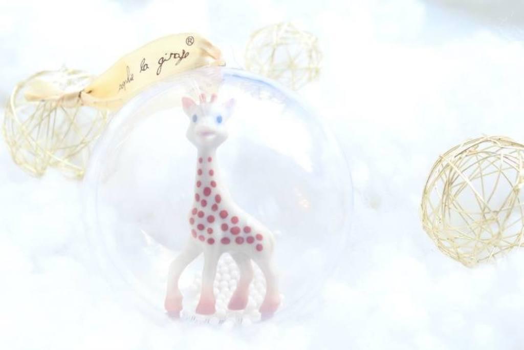 Sophie-de-giraf-1e-kerstbal-GoodGirlsCompany