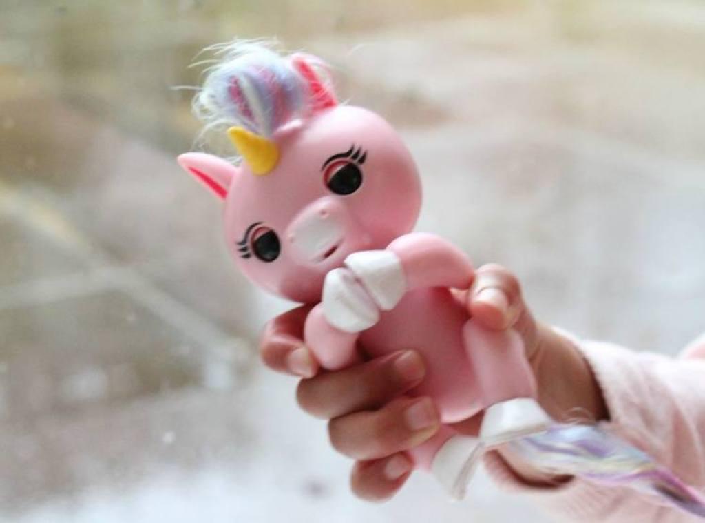 WowWee Fingerlings Baby unicorn