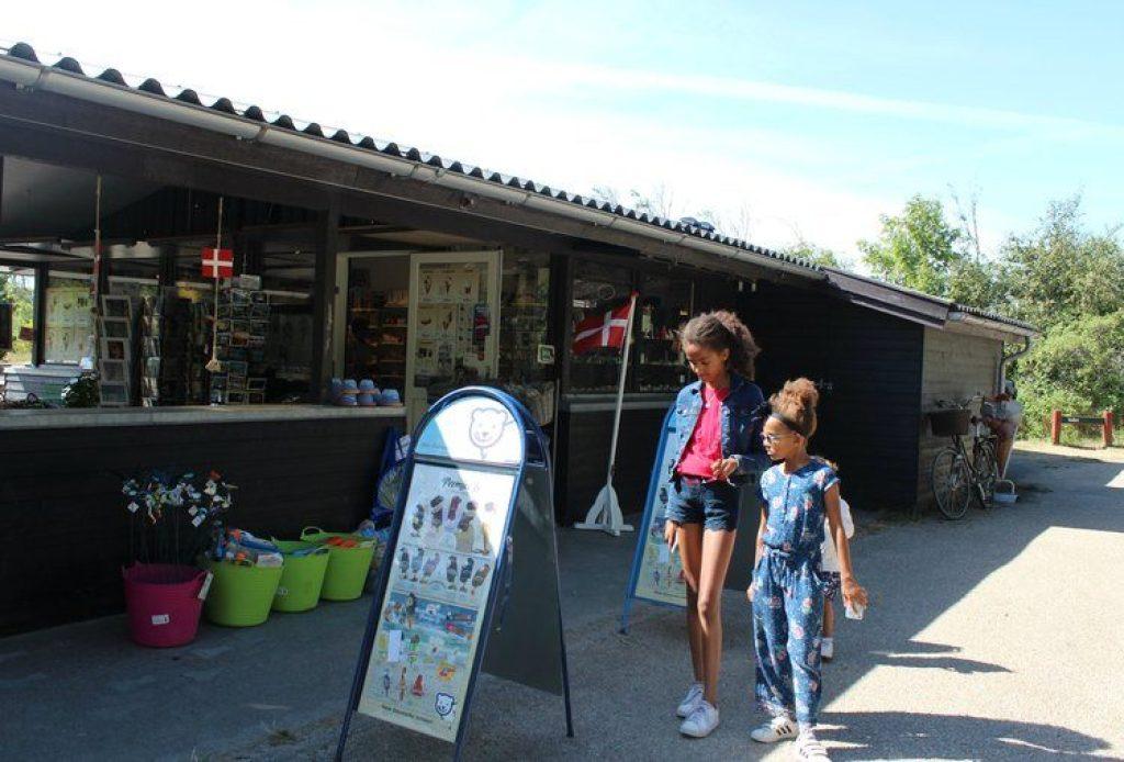 Den tilsandede kirke Skagen bezoeken met kinderen
