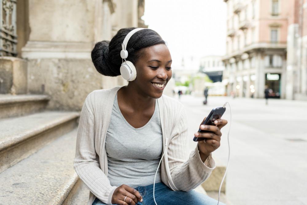 de beste christelijke podcasts voor vrouwen_the millennialmom