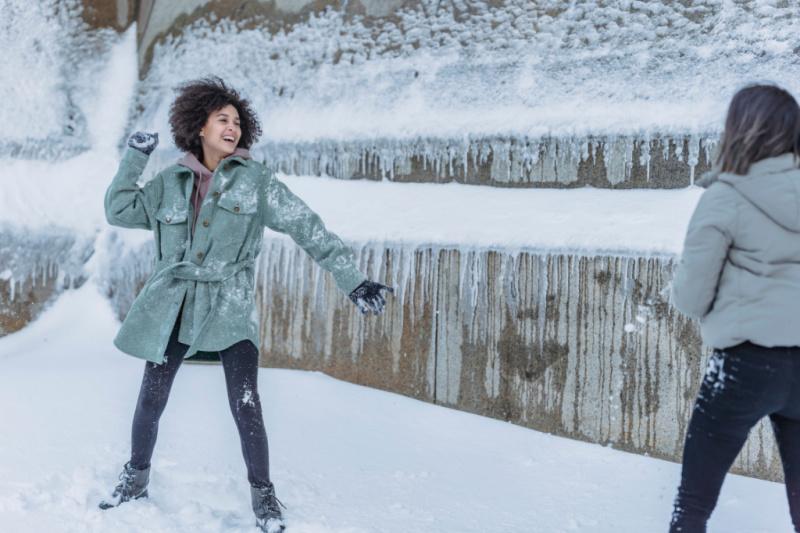 activiteiten-in-de-sneeuw-spelen-tips-ideeen-themillenialmom