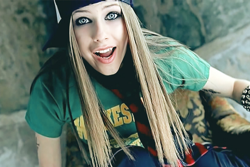 Celebrities Favorite T-Shirt Brands - Avril Lavigne Wilkesboro Shirt