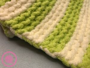 garter stitch baby blanket edge with yarn carried up side