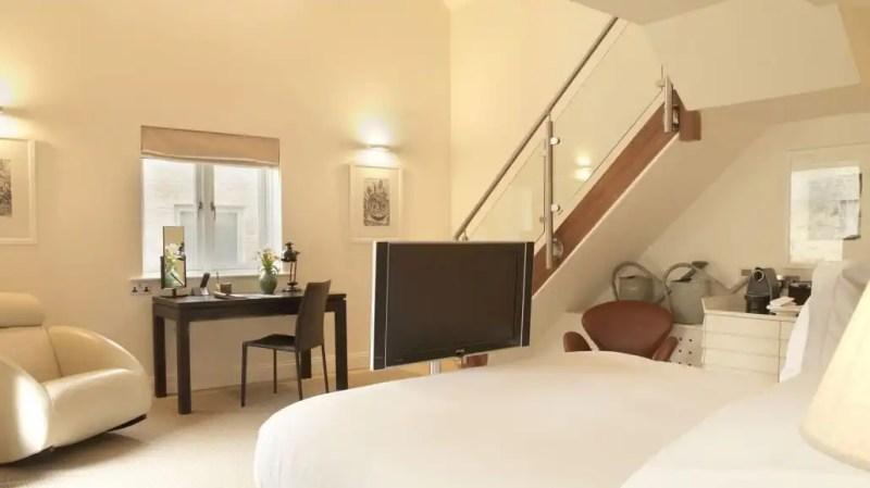 stableyard-suites1-1030x579