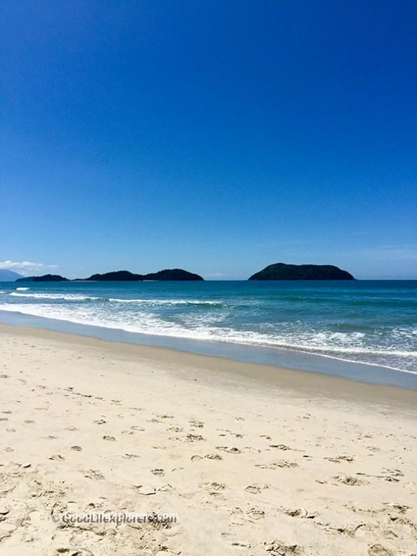 Juquehy Beach islands