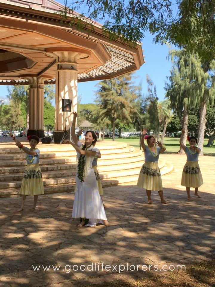 Hawaiian Dancers in Oahu, Hawaii