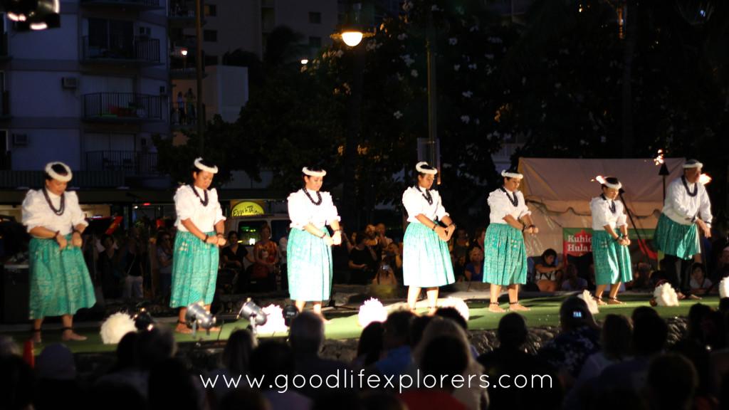Hula dancers performance Waikiki Beach