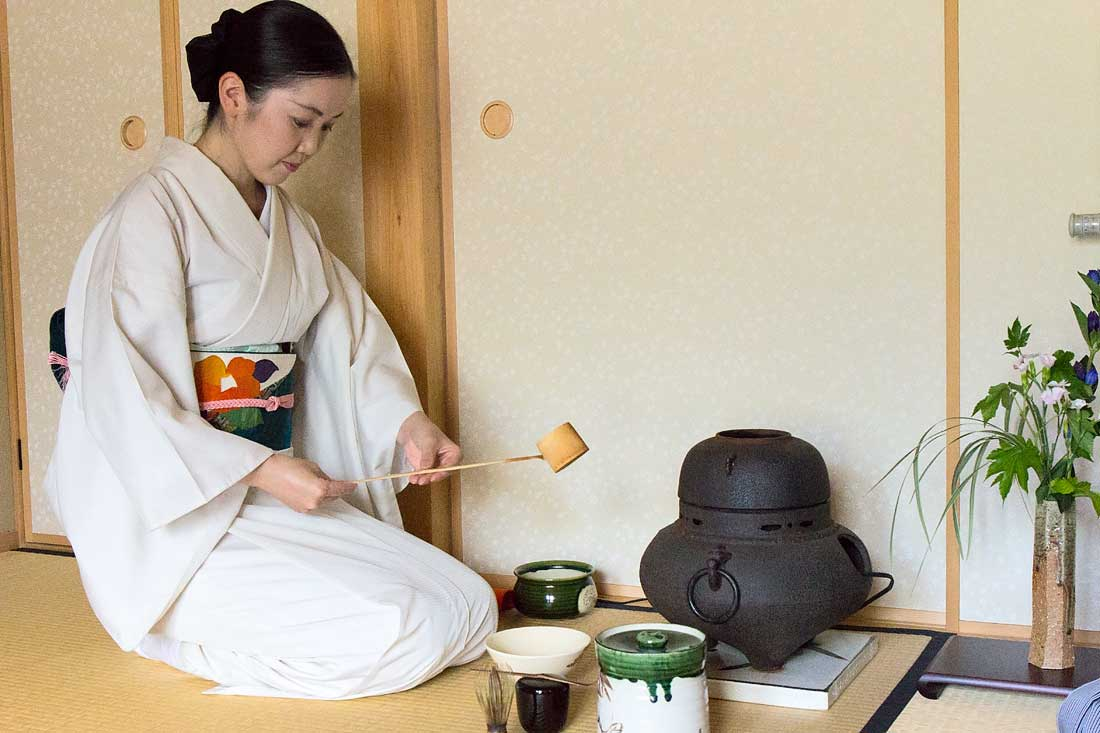 Tea Ceremony, Tea, Kyoto, Travel, Japan, Camellia, cultureKyoto, Travel, Japan, Gion, Camellia, Cooking, show, culture, temple,4 experiences you must have in Kyoto