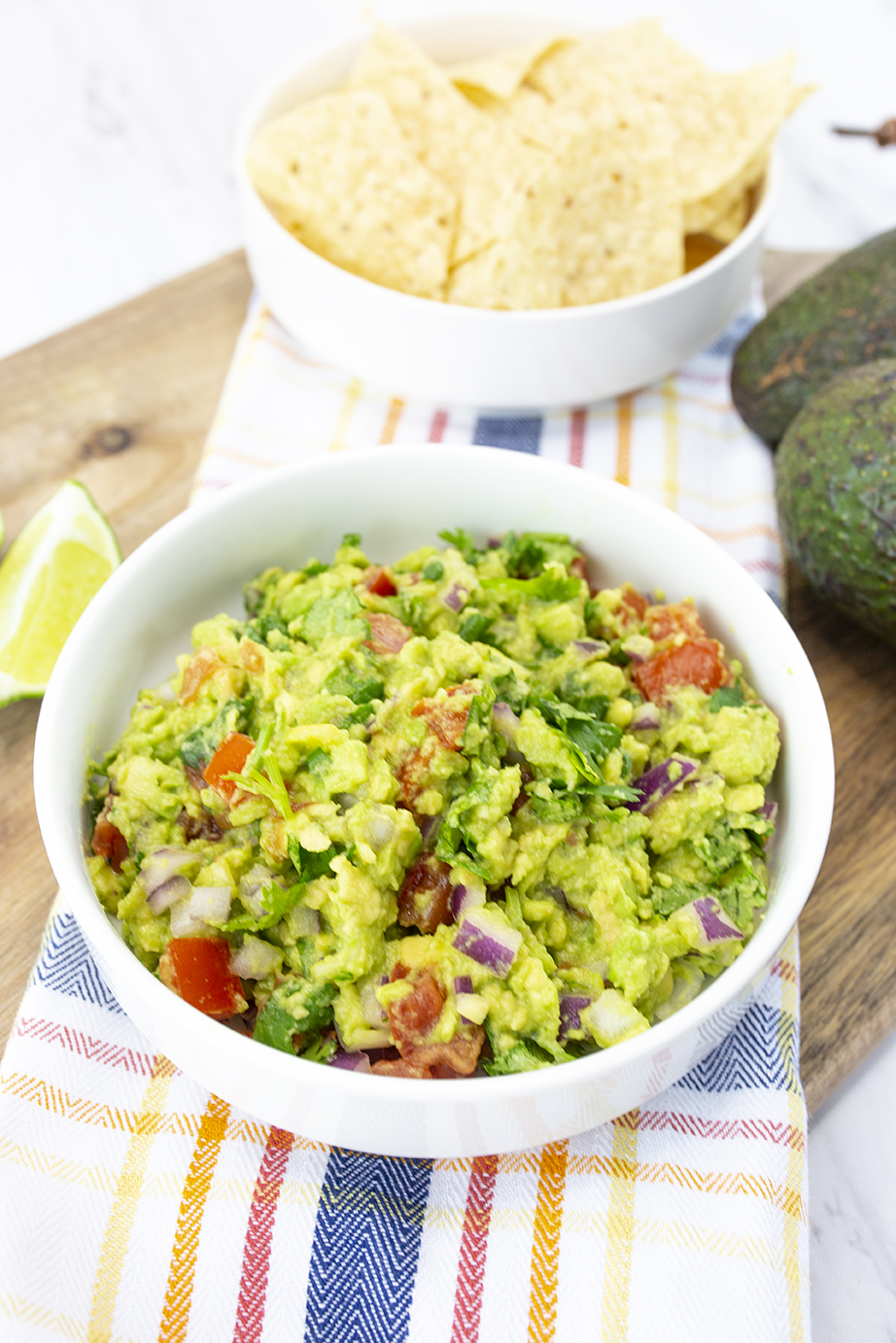 guacamole, chips, avocados and limes, easy recipe