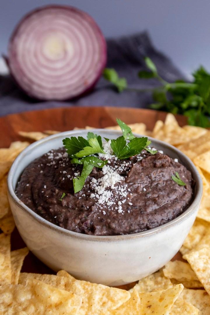 Homemade Black Bean Dip - Easy, Creamy and Healthy!