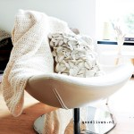 DIY: Easy cream colored crocheted blanket to make