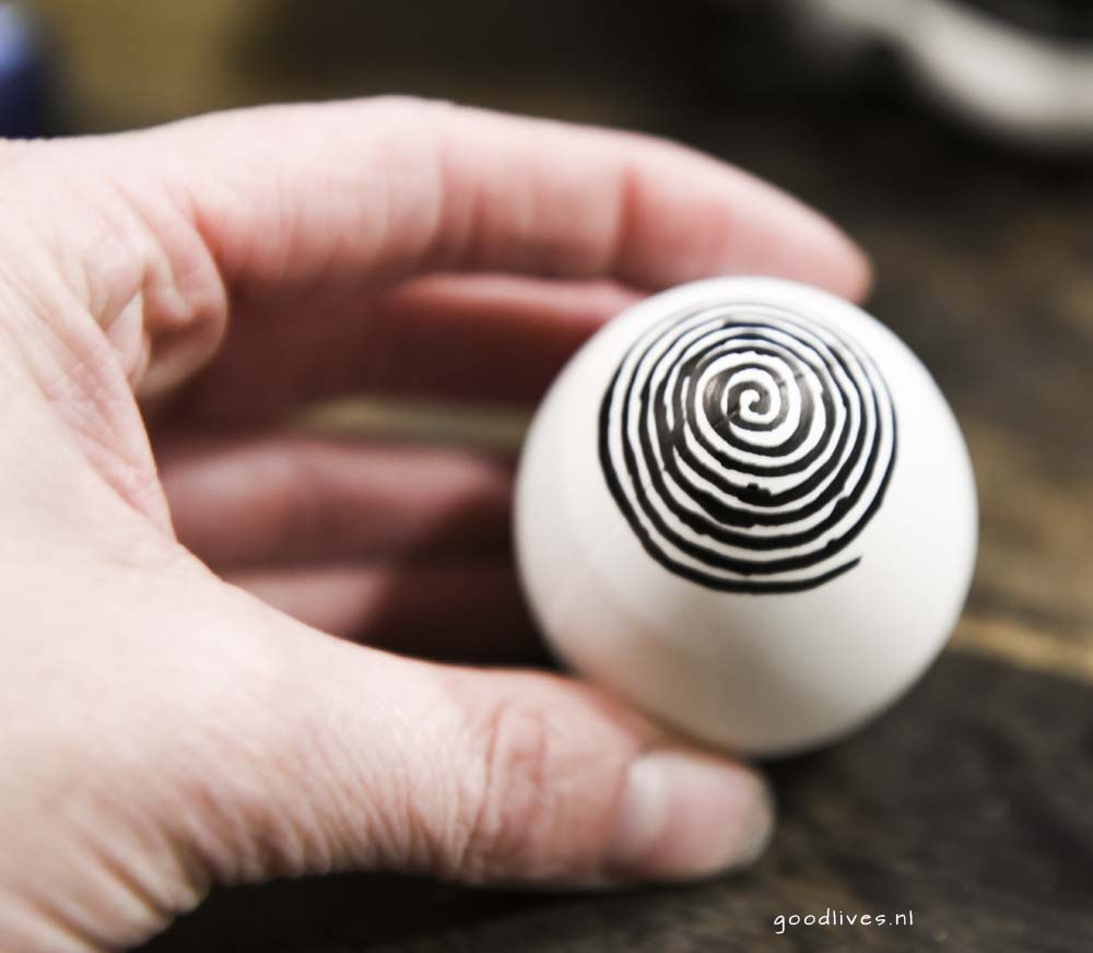 Spiral drawing on egg Easter 2018 Goodlives