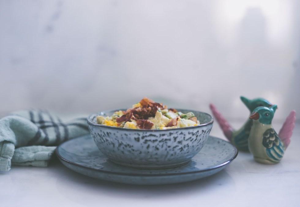Egg- og avokadoslatat