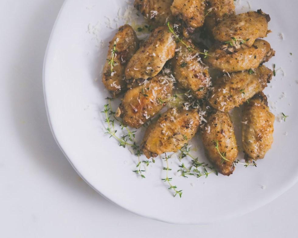 Sitron- og hvitløks marinerte kyllingvinger