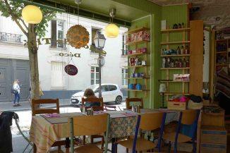 Inside l'Oisive Thé - Rue de la Butte aux cailles