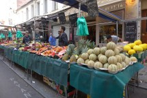 Marche Aligre Paris-melon and pinapple
