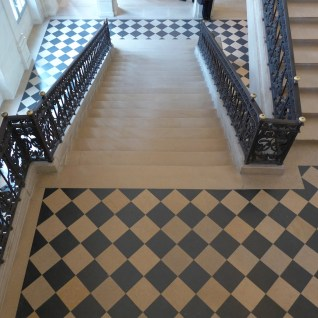 Musee-Picasso-Floor of the staircase