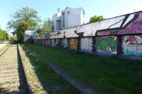 Petite Ceinture du 15eme-Paris-Street art near Balard