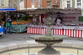 March Monge Paris-The fountain