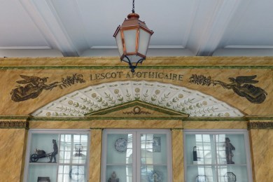 Carnavalet Museum Paris-Lescot Apohicaire-1800
