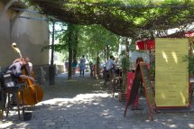 Montmartre- Place du Calvaire-02