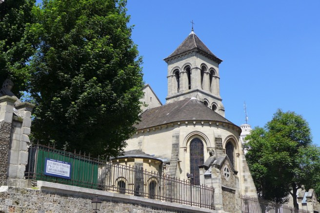 Saint Pierre de Montmartre - Outside