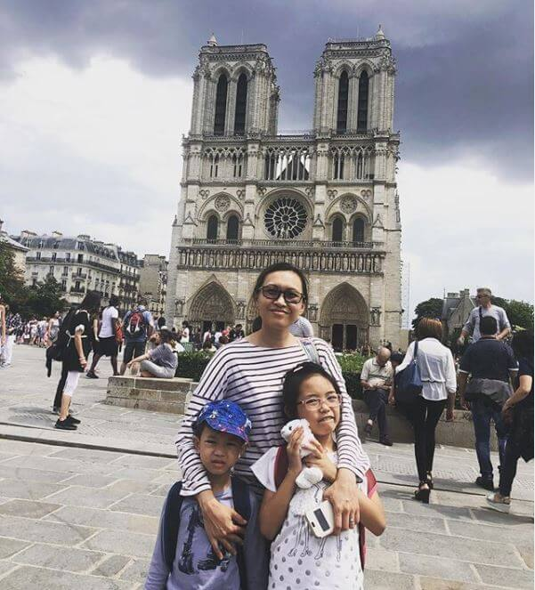 Janice Lao and kids at Notre Dame Cathedral