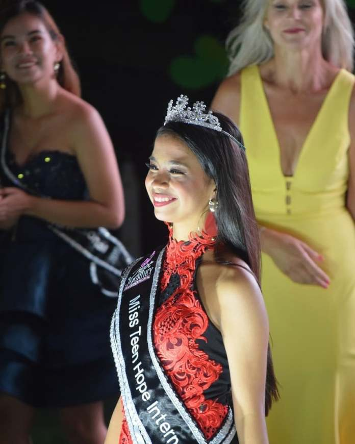 Sofia Loreen Cruz