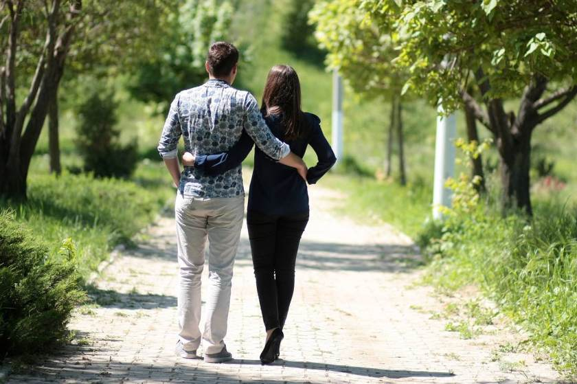 couple-1363959_1280