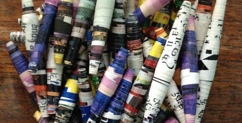How to make paper beads with junk mail