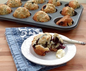 Fruity Oatmeal Muffins | Get the Good Stuff