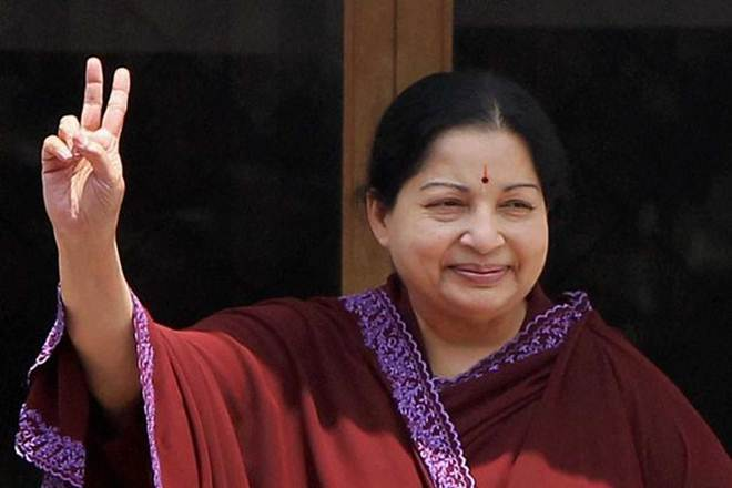 Tamil Nadu CM Jayalalithaa suffers cardiac arrest,being monitored by experts