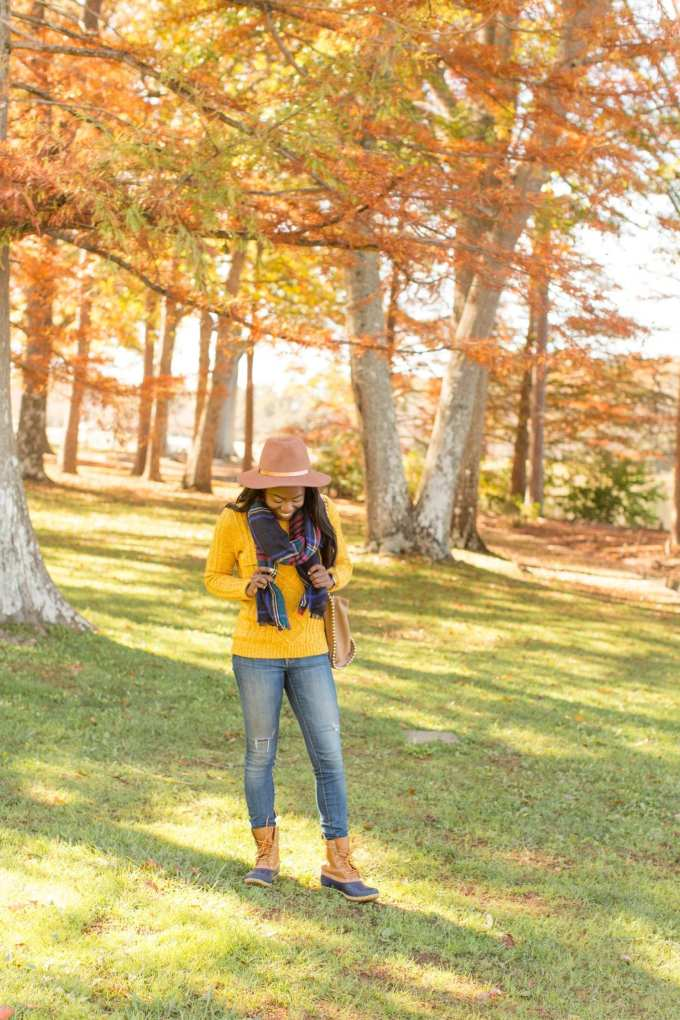 Wondering what to wear for thanksgiving this year? I'm partnering with Old Navy to share my favorite casual outfit ideas! Check out these looks on the blog! // Shot at Furman Univeristy by Southern Fashion + Lifestlye Blogger, GoodTomiCha