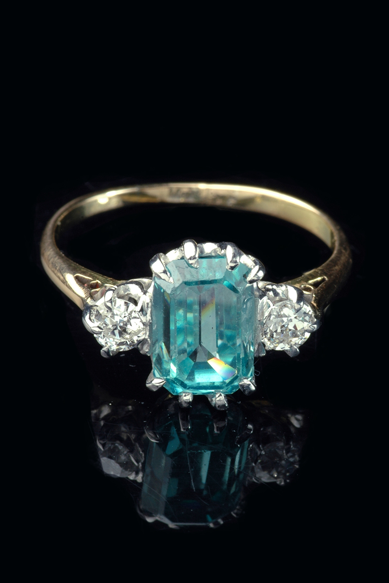 18ct Yellow Gold Blue Zircon And Diamond 3 Stone Ring