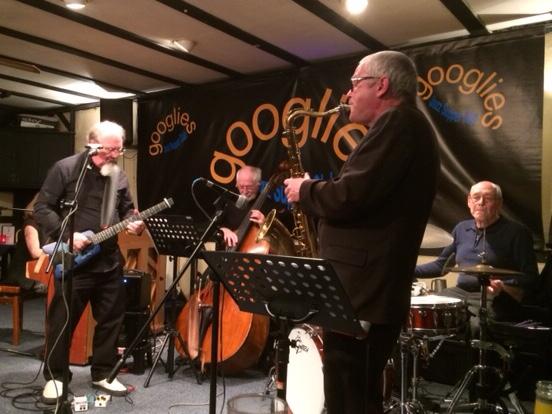 Photo-Googlies-Quartet-with-Pete-Barnes