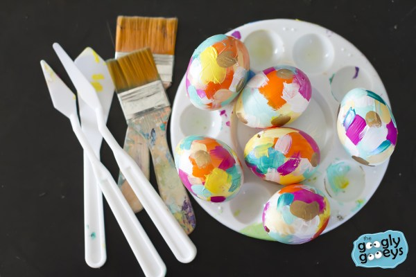 DIY Colorful Easter Eggs