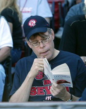 Stephen King Kitap Okurken