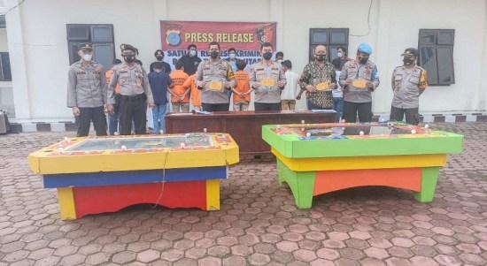 2 Orang Penyedia Tempat dan 10 Pemain Judi Tembak Ikan Ditangkap Petugas Polres Taput