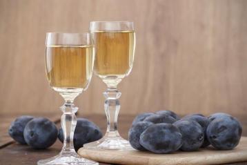 Польскі селяни можуть отримати дозвіл на виробництво алкоголю на фермах