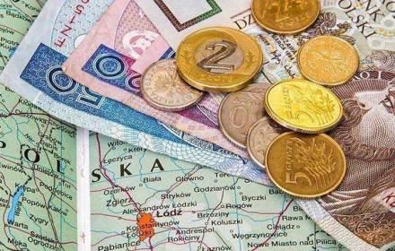 Вихід на пенсію після 35-40 років роботи можуть ввести в Польщі