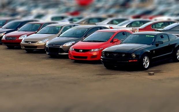 У Польщі з нового року виписують штрафи за незареєстроване авто